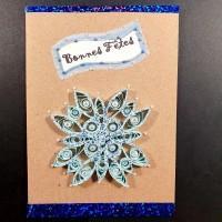 Carte de voeux en quilling flocon bleu