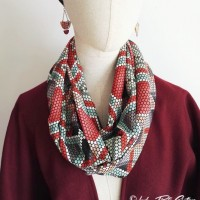 Snood-foulard pixel multicolore et touches or
