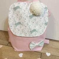 Sac à dos rose poudre  avec motif petit lapin et floral vert pastel