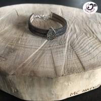 Bracelet manchette gris avec feuille argenté