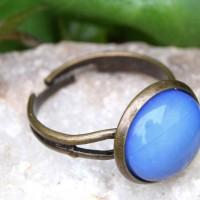 Bague en pierre d'opalite bleu indigo , BAGUE REGLABLE