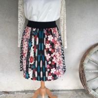 Jupe femme taille élastique en tissu japonais motifs géométriques et fleurs noir, beige, bordeaux et bleu