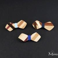Lot de 3 petites broches noeud papillon en bois mosaïque bois et fil bleu