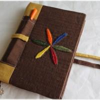 Carnet artisanal DOTS + feutres