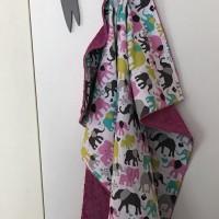 plaid - couverture  voiture bébé rose orchidée avec des éléphants