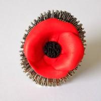 Bague ovale design argentée réglable coquelicot rouge noir