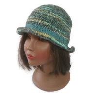 Bonnet chapeau melon vegan au crochet dégradé vert marron beige, original bohème chic hippie chic cadeau pour femme chic