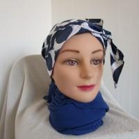 Foulard chimio femme, turban de couleur bleu marine et blanche motif ethnique