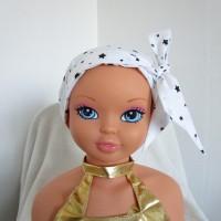 Foulard, turban chimio fille, jeune adolescente blanche avec des étoiles noires