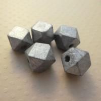 Lot 5 perles en bois facettées 12mm argent