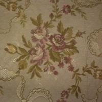 Tissu ancien ou vintage , style tapisserie, bouquets de fleurs et roses, sacs, coussins