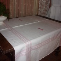 Jolie nappe ancienne en lin , larges bandes tissées, monogramme HL