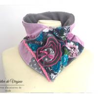 Echarpe, col, tour de cou, polaire, laine, coton, gris et rose. Accessoire de mode, fait-main, original, unique. Style bohème chic.