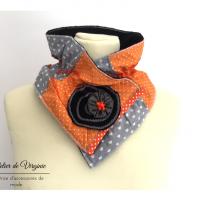 Echarpe orange en polaire, col, tour de cou, laine, coton. Accessoire de mode, fait-main, original, unique. Style bohème chic.