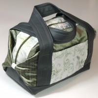 Grande trousse de toilette / vanity - soie sauvage coton batik et simili cuir - vert gris beige blanc - motifs vegetaux