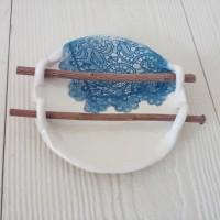 Porte-savon Terre et bois dentelle bleue