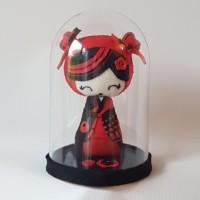 Kokeshi rouge et noir