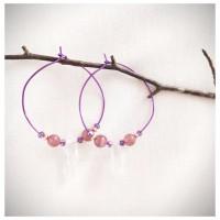 Prima Boucles d'oreilles créoles en perles de quartz sur fil de cuivre violette, pièce unique