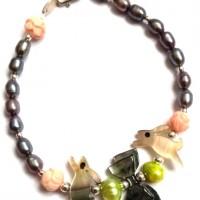 Bracelet perles de culture _ lapins nacre _ roses en coquillage _ argent 925