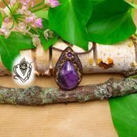 Pendentif artisanal en Améthyste forme goutte et sa perle d'Améthyste, pièce unique
