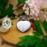 Pendentif artisanal Oeil de Ste Lucie et sa perle de Jaspe gris, pièce unique