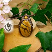 Pendentif artisanal en Jaspe Mookaïte bréchique, pièce unique