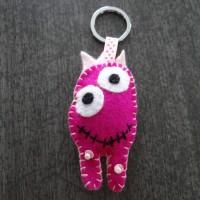Porte clés monstre rose