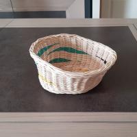 Corbeille irrégulière - panière à pain - panière à fruits - en rotin ecru jaune et turquoise - fait main