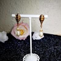 Boucles d'oreilles gouttes de perles corolles