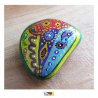 Galet en pierre véritable peint main © Cathart -
