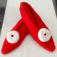 Ballerines chaussons rouge pour femme T37-38 avec décor au crochet
