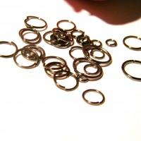 lot de 500 anneaux (12 gr) noir  - taille mixte de 4 à 10 mm -  AN11