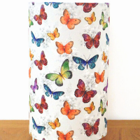 lampe tube motifs papillons colorés