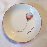Assiette ronde et creuse de porcelaine, personnalisée, pour bébé ou jeune enfant