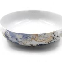 Saladier Elysée rond porcelaine fine bleu gris et ambre