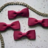 Noeuds plats rouge fraise ruban - LOT X 4 - polyester - dimension 4 cm X 1.5 cm