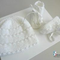 Bonnet bebe et chaussons, 6 mois, calinou LAIT, Mixte, rayé astrakan tricote main, bb, tricot bebe, layette, modèle SUR COMMANDE