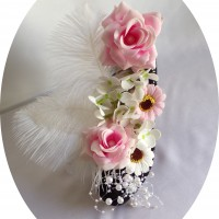 Escarpin noir , fleurs en savon et plumes d'autruches véritables