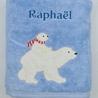 Broderie personnalisé motif ours blanc, ours polaire, sur serviette, drap de bain, cape de bain, peignoir ou pochon de rangement