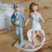 Cake toppers mariés avec basquette , footing, personnalisés