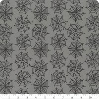 Tissu Halloween gris toiles d'araignées, Holidays Essentials , Moda Fabric