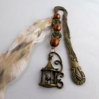 Marque-pages en métal, la tête du cheval et le fer à cheval, la cage à oiseaux, perles magique, vieux bronze, plume, accessoire de livre.