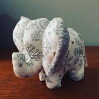 Petit éléphant de Noël