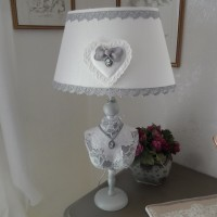 lampe buste shabby romantique dentelle broderies camé c?ur strass gris et blanc