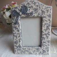 cadre photo romantique gainé tissu à poser ou suspendre noeud galons perle
