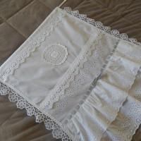 rideau shabby linge ancien dentelle volant ruban en gris et blanc