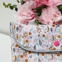 Pochette blanche à fleurs