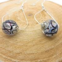 Boucles d'oreilles argentées gouttes, perles transparentes liseré noir